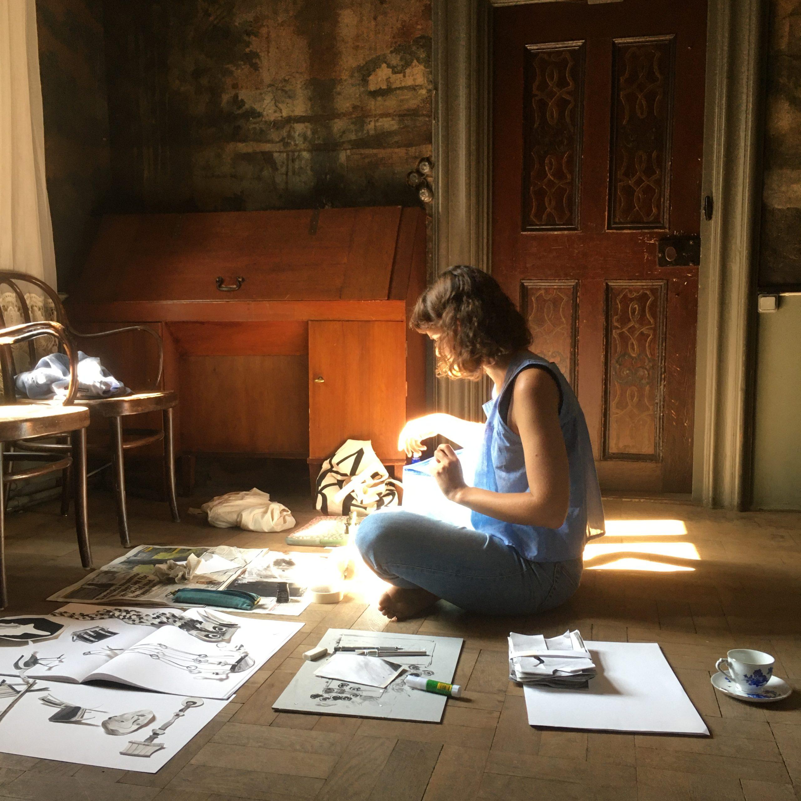 Artist Catherine Paterson working in a room at Gathenhielmska Huset.